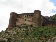 தில்லு இருந்தா இந்த கோட்டைக்கு போங்க பார்க்கலாம்...