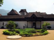 வருஷம் 16 அரண்மணை, ஒரு ஃபோட்டோ டூர்