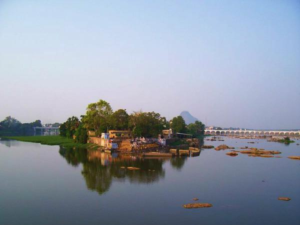 தமிழ்நாட்டின் 32 மாவட்டங்கள் - அ முதல் ஃ வரை!  18-1387365727-erodedistrict