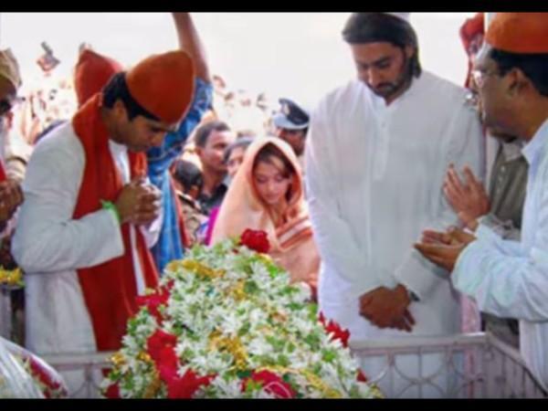 விபூதி பிரசாதமாக தரும் மசூதிகோயில் தீரா