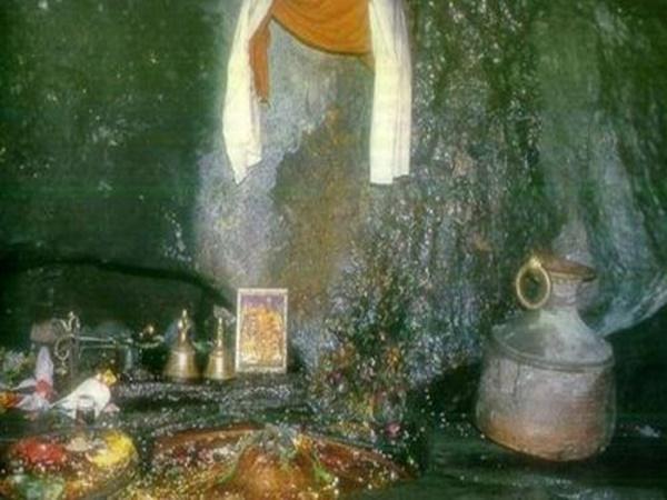 இந்த குகையில் தான் விநாயகரின் மனித தலை