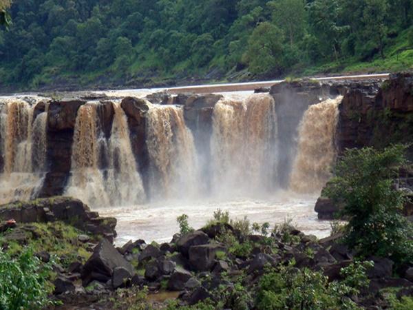 சாபுதாரா சுற்றுலா - ஈர்க்கும் இடங்கள், செய்யவேண்டியவை மற்றும் எப்படி அடைவது