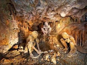 1000 ஆண்டுகள் பழமையான இந்த குகைகள்ல என்ன இருக்கு தெரியுமா?