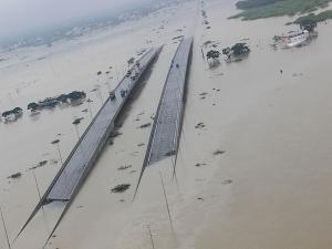 Tourist Places Affect Heavy Rain Tamil Nadu