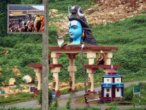 Nilakkal Near Sabarimalai Travel Guide Attrctions How Rea