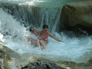 Travel Super Waterfalls Near Munnar
