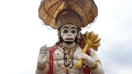 படையப்பா பாணியில் பஞ்சாயத்து பன்னும் ஆஞ்சநேயர்..!!