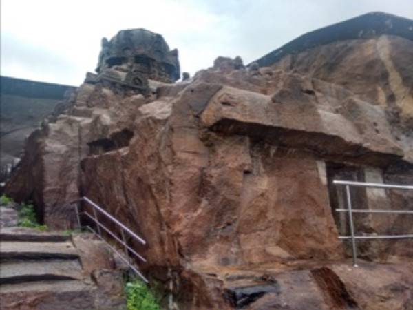 Do You Know The Kazhugu Malai Vettuavan Koil Single Rock Tem