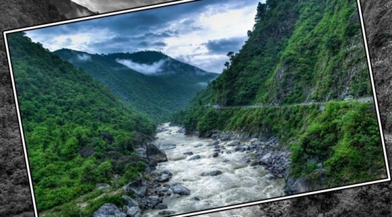 அட்டகாசமான ரொமாண்டிக் சாலைகள்... இந்த 12ம் தான் இந்தியாவுலேயே பெஸ்ட்டுங்க..