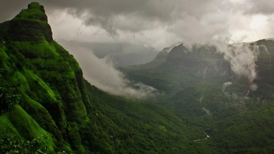 மராட்டிய தேசத்திலும் ஓர் வால்பாறை..! வரமாய் கிடைத்த வரந்தா மலைத்தொடர்..!